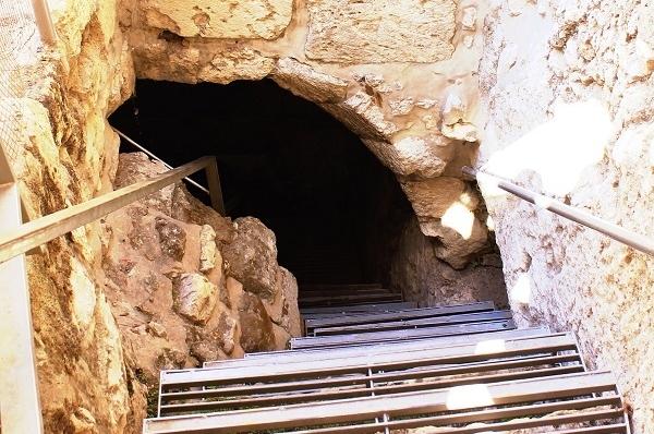 Спуск в Вифезде. Подземный Иерусалим Ветхого и Нового Заветов