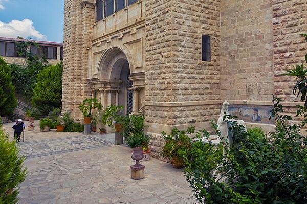 Храм над колодцем Иакова. Православная Самария