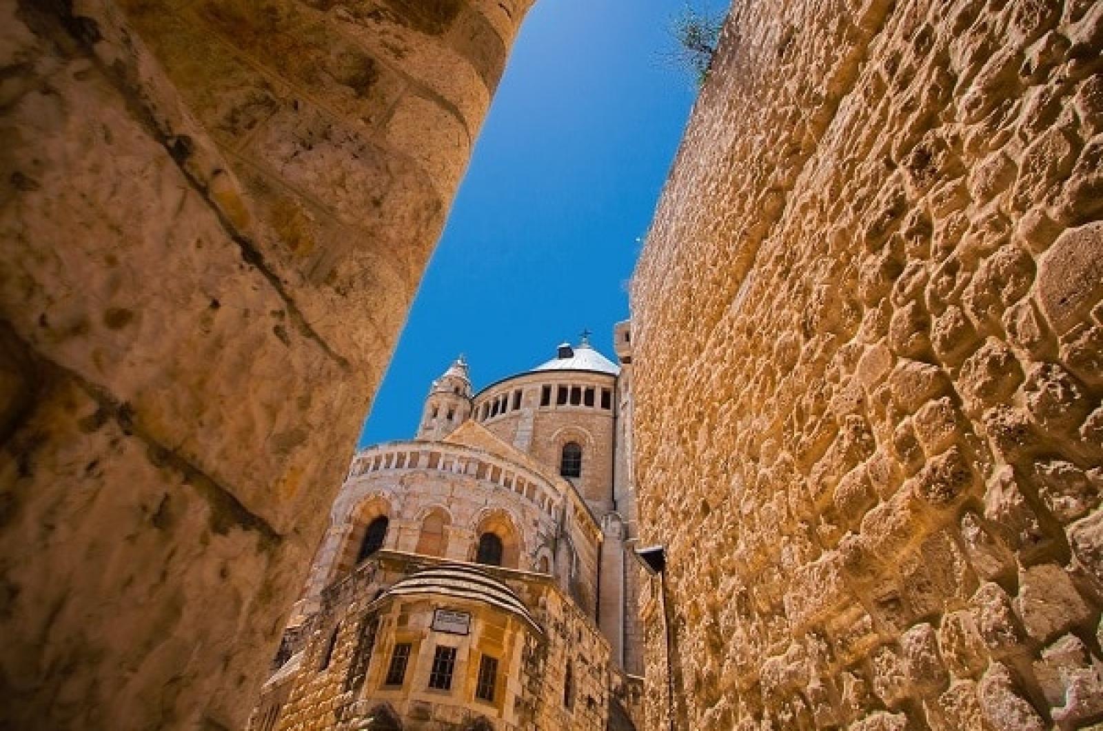 Вид на аббатство Дормицион. Исторический взгляд на Иерусалим